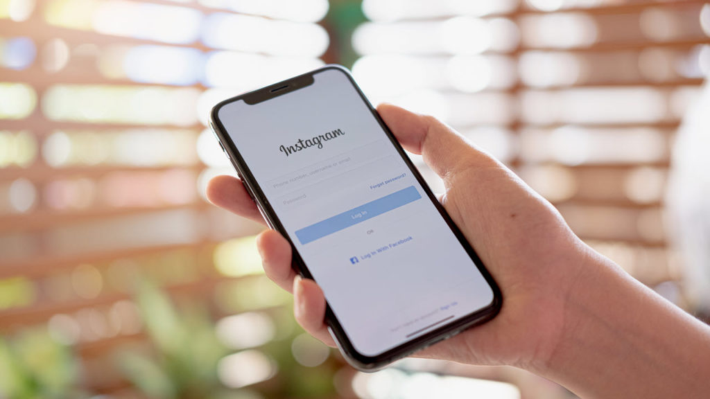 """How to Fix """"Couldn't refresh feed"""" on Instagram"""
